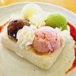 レストラン源 - モッフル&よくばりアイス\550