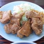 味処いちむら - 鶏唐揚げ定食(850円)の鶏唐揚げ