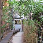 グリーンハウスシルバ - 緑の通路
