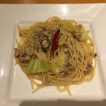 ルーチェ - ひき肉とキャベツのペペロンチーノ