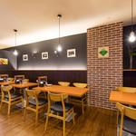 ステーキ&ビア ビストロ・パプリカ - テーブル席