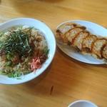麺屋 藤 - チャーシュー丼大と餃子