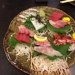 旬彩創宴 貴代 - 造り盛り合わせ(鯛、まぐろ、ハマチ、いか、蛸)