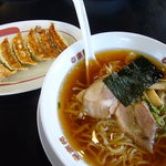 幸楽苑 - 料理写真:中華そば¥304 餃子¥189