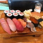 味創 - 料理写真:ランチ寿司