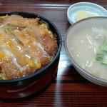 やませ食堂 - 料理写真:カツ丼と豚汁セット1,000円