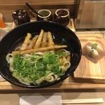 生うろん八幡 - 水田ごぼう こんにゃく寿司付