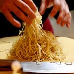 明道町中国菜 一星 - 坦々麺は麺のほぐしから入ります
