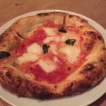 64432615 - 水牛モッツアレラとトマトのピザ