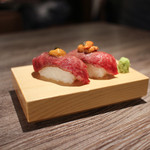 A5焼肉&手打ち冷麺 二郎 - 昆布〆炙り握り寿司 with 雲丹&キャビア☆