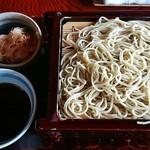蕎麦処 多賀 - 辛味大根せいろ(2枚重ね)1600円。