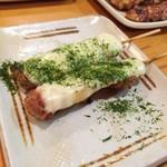 やきとり鳥次郎 - チキンチーズ 一本130円
