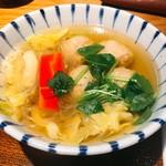 64440178 - ランチメインの「つくねと春キャベツのスープ炊き」
