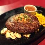 ステーキハウス TERA - 料理写真:余計なつなぎや添加物ゼロの、100%ビーフハンバーグ。