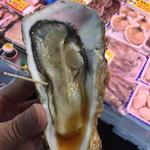 64444890 - 牡蠣立ち食い