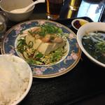 マーボー飯店 - 蒸し鶏豆腐定食