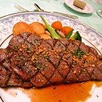 ル・タングラム - 料理写真:サーローンステーキ ガーリックソース