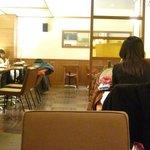 上島珈琲店 - 寝てるのたまにいるね