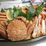 ペンション マリンメイツ - 料理写真:ディナー:ズワイガニ、毛ガニ、タラバガニ、3種かに盛り合わせ(二人前)