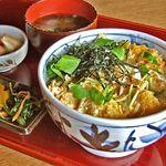 伊勢角屋麦酒 - 牡蠣の卵とじ丼
