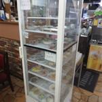 白頭山 - ツマミの冷蔵ケース