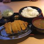 角中うどん店 - 2017/03/25 秘伝のソースで食べるロースカツ定食 980円