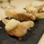 餃子とワイン 果皮と餡 - 豚、フォアグラ、白レバ