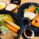 ヘルシー・キッチン・スマイリー - 自家製コトコト煮と彩り野菜¥1000(税込)2017/3現在