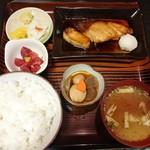 魚善 - ぶり照焼定食 1000円