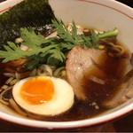 麺屋横浜にぼし堂 - 煮干し醤油ラーメン 700円