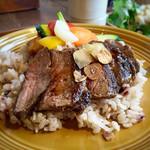 64462982 - 牛肉ステーキ&旬野菜カレー 1,580円                       お肉も野菜も!欲張りメニュー♡