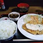 昼どき亭 - チキンカツ定食 680円(税込)(2017年3月21日撮影)