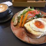 ザコーヒーハウス - クロックマダム、カフェラテ@972