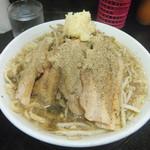 自家製太麺 ドカ盛 マッチョ - ラーメン中徳島・野菜ちょい増しニンニクアブラ魚粉増し(2017.1.8)