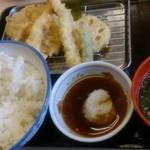 さん天 枚方高野道店 - 580円の天ぷら定食