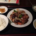 64469253 - 日替り定食A 椎茸と豚肉のオイスターソース炒め 680円