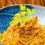 囲 - 当店人気のパスタ『渡り蟹のトマトクリームパスタ』