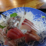 福浦漁港 みなと食堂 - 真鶴といえば鯵かな