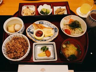 真南風 - 和定食 @2,420円 ご飯は五穀米を選びました。