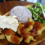 おやこカフェ ベビー リーフ - 自家製タルタルソースのチキン南蛮プレート