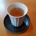 手打蕎麦 一澤 - 蕎麦茶です