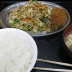 とん平 - 野菜炒め定食