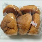 梅屋 - 料理写真:シュークリーム詰め合わせ(特価270円)