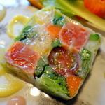 ヤナカ スギウラ - ランチコース3,600円+税 サーモンと春野菜のテリーヌ