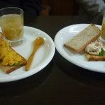 ファリーナ フレスカ - 小エビとカボチャサラダのサンド、チキンサラダのサンド