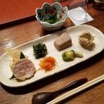ろくざん亭 - 料理写真:「高尾三昧」の前菜八種