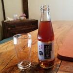 ろくざん亭 - 小さな瓶の「烏龍茶 (300円)」