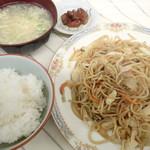 千里 - 「焼そば定食」(580円)