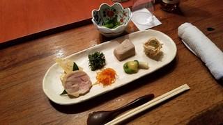 ろくざん亭 - 「高尾三昧」の前菜八種