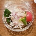 ろくざん亭 - サラダほうれん草が入ってるサラダ